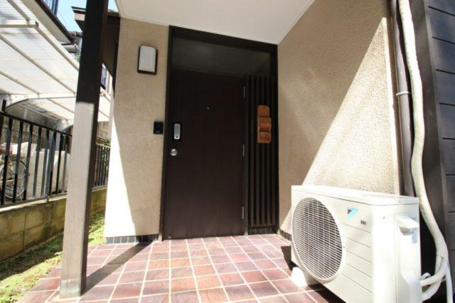リフォーム前の玄関扉