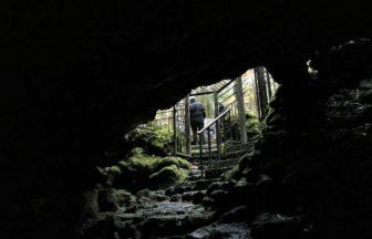 富士山麓の溶岩洞窟