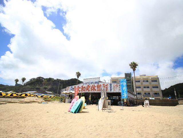 浜海水浴場の海の家