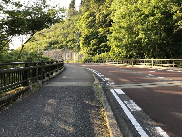 養老渓谷の道路