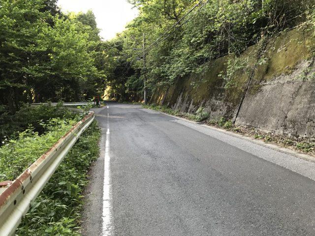 養老渓谷の危険な道路