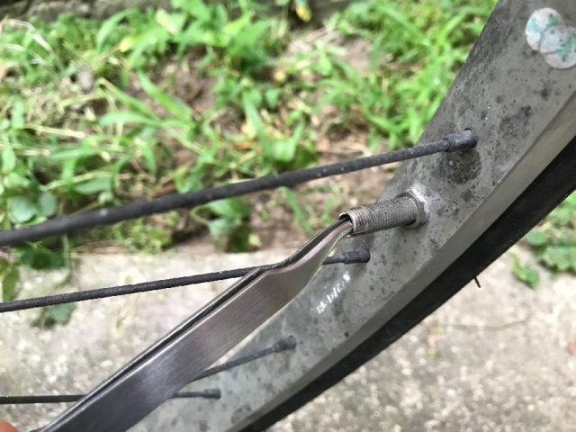 自転車の空気が抜ける